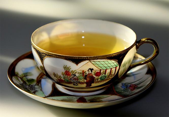 green tea in teacup