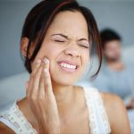 Medical News Today: Is my jaw broken or dislocated?