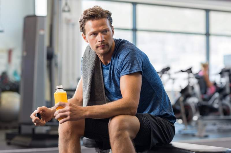 fit-man-with-energy-drink