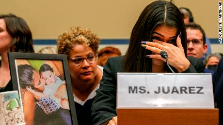 Migrant mom recalls daughter's death in emotional testimony