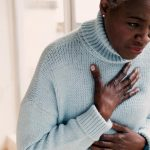 Medical News Today: What causes acid reflux and shortness of breath?